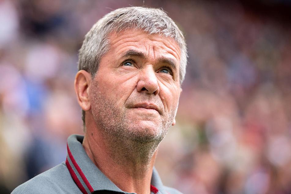 """Düsseldorfs Trainer Friedhelm Funkel findet die schnell aufkommende Kritik an Fußball-Lehrern """"unsäglich""""."""
