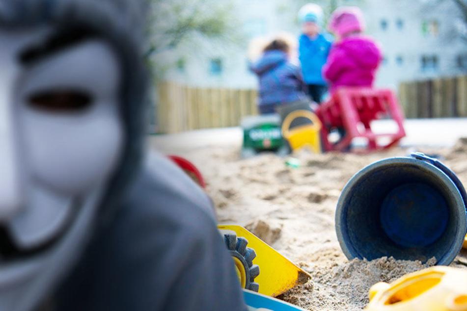 Mysteriöser Maskenmann geht um: Sind Kinder in dieser Stadt in Gefahr?