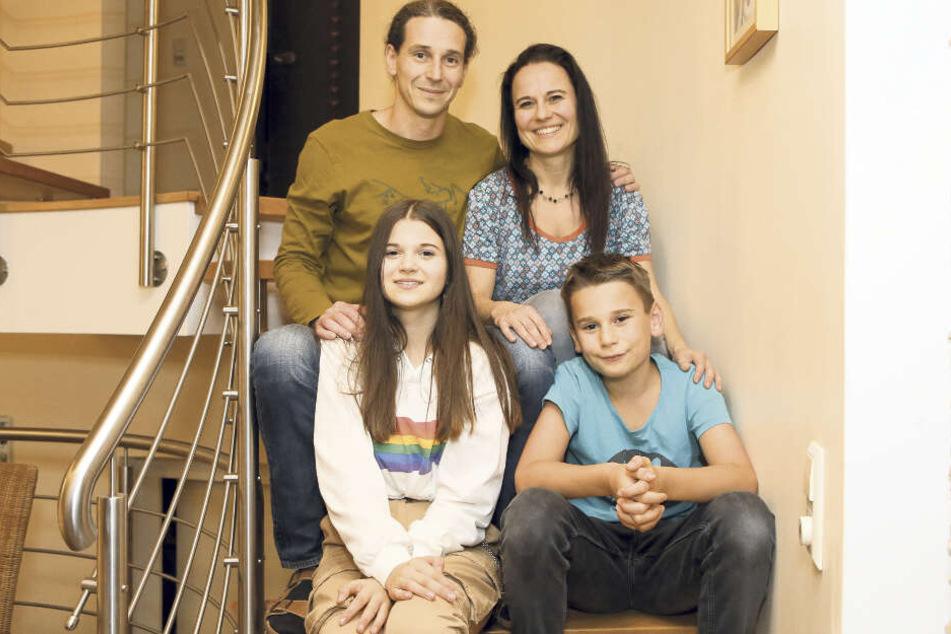 Eine starke Familie: Vater Thomas, Mutter Claudia und Bruder Maxim waren Julia stets ein Halt.