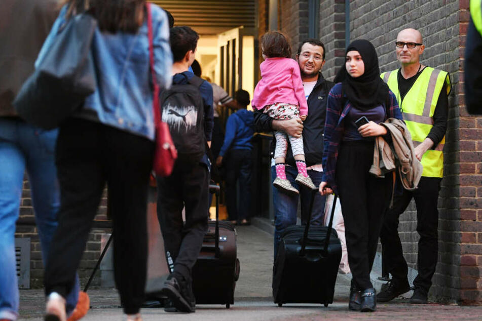 Hunderte Bewohner müssen ihre Wohnungen verlassen.