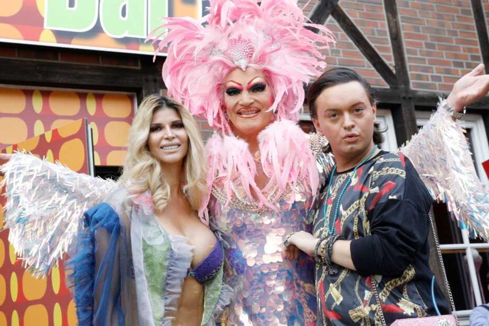 """Stöhnen im Takt! Olivia Jones eröffnet Bar für """"Porno-Karaoke"""""""