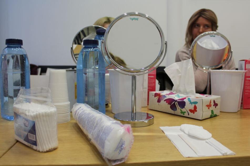 Für den Workshop gab es einen Beutel voller Kosmetik-Produkte für die Teilnehmerinnen.