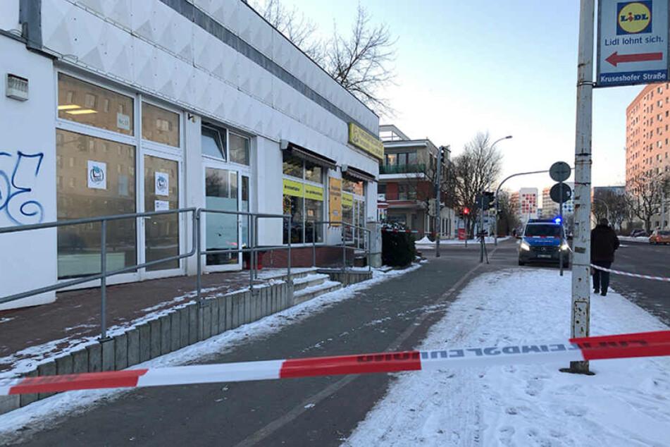 Vor diesem Döner-Imbiss in Neubrandenburg fiel der tödliche Schuss aus der Dienstwaffe.