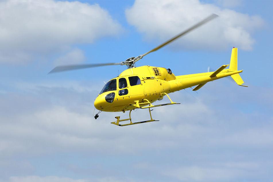 Bei der Suche in Italien kommen neben Drohnen auch Helikopter zum Einsatz.