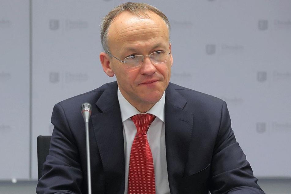 Will trotz sprudelnder Millionen sparsam bleiben: Finanzbürgermeister Peter Lames (53, SPD).