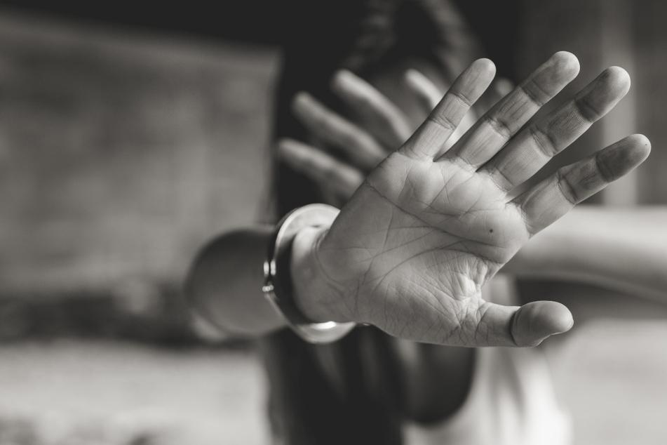 Brutaler Angriff: Studentin (†22) wird in Kirche von mehreren Männern vergewaltigt und stirbt