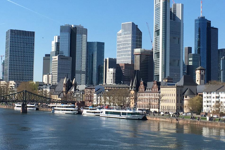 Die Mainmetropole Frankfurt will zur Corona-Modellkommune werden und in einem begrenzen Gebiet wieder Kultur und Veranstaltungen erlauben.