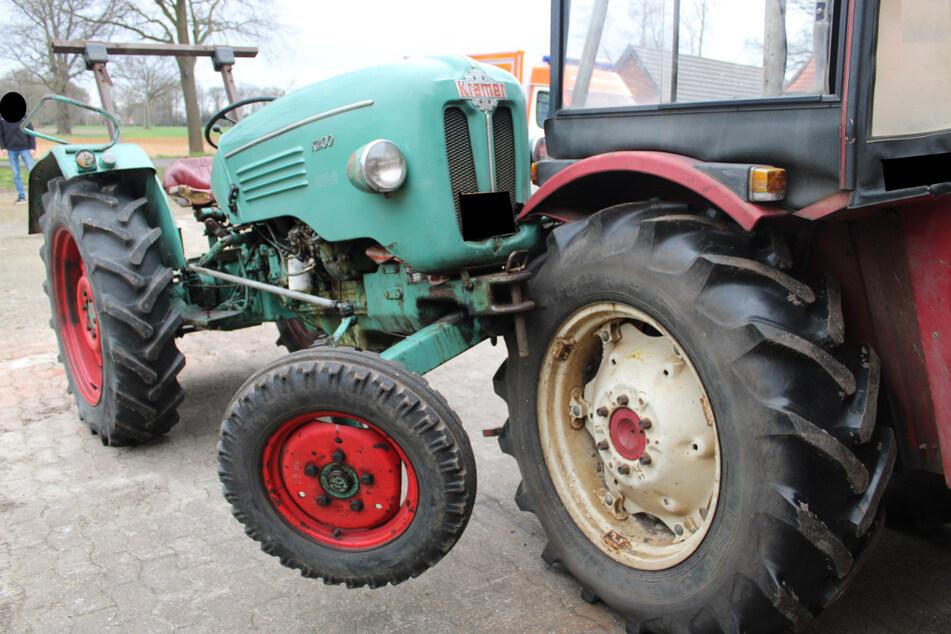 Tonnenschwerer Traktor setzt sich plötzlich in Bewegung: 19-Jähriger überrollt!