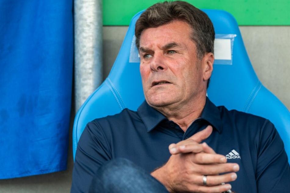 Trainer Dieter Hecking lobt seine Mannschaft.