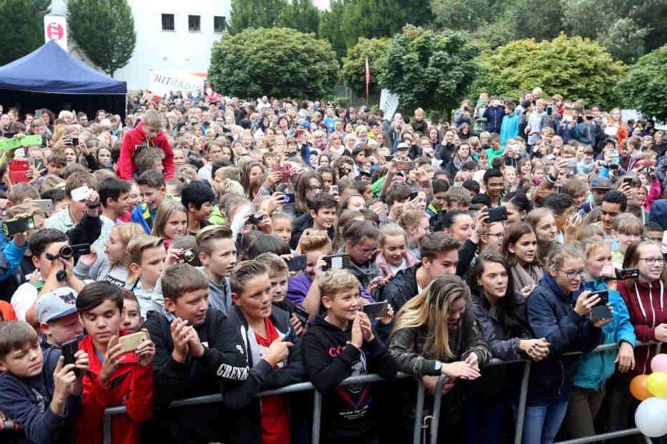 Rund 1.000 Besucher kamen zum Schulhofkonzert.