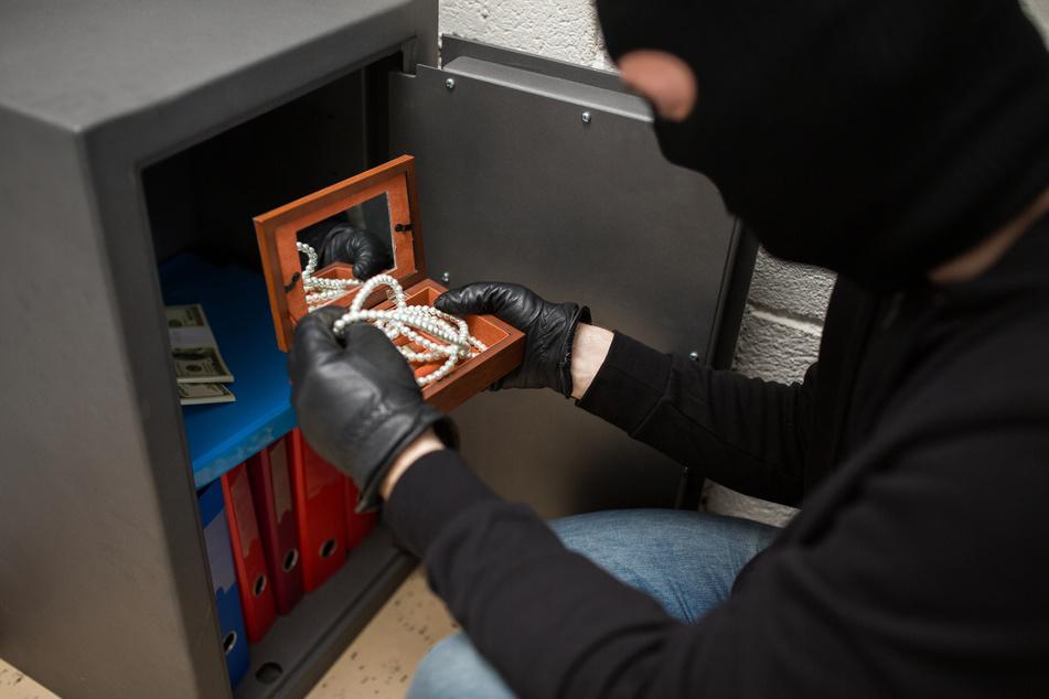 Kurioser Diebstahl in einem Leipziger Club: Einbrecher ließen 120-Kilo-Tresor mitgehen. (Symbolbild)