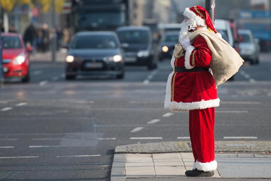 In Sachsen werden die Weihnachtsmänner knapp. Es gibt schon Wartelisten.