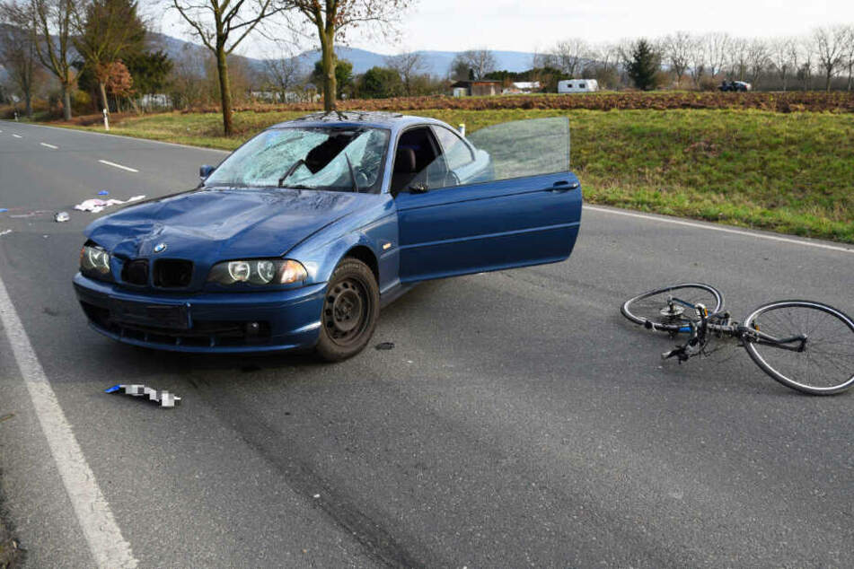 Das Auto erfasste das Mädchen auf dem Fahrrad.
