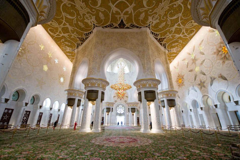 Die Scheich-Zayid-Moschee von Innen.