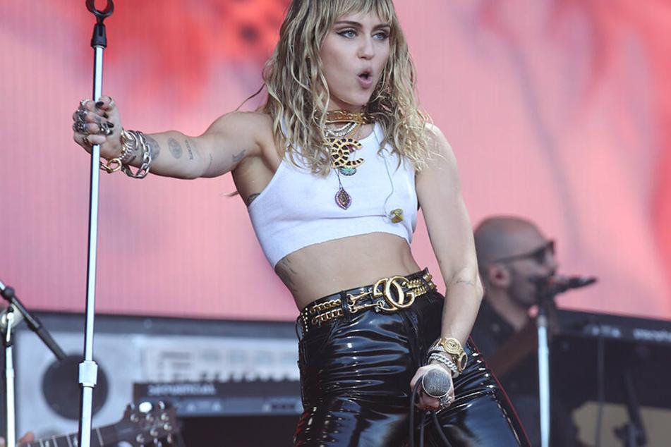 Laut, explosiv und provokativ. Das war Miley zuletzt nur noch auf der Bühne, privat wurde sie eher etwas ruhiger.