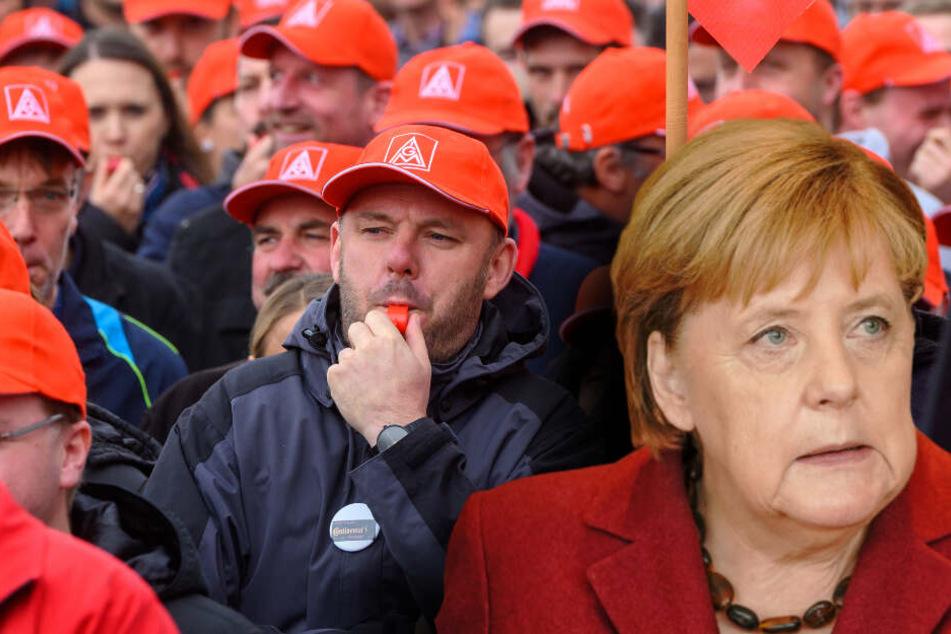 Merkel besucht besorgte Mitarbeiter der IG Metall