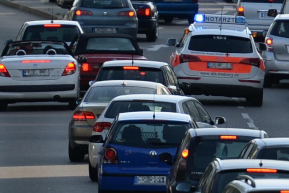 So sollen alle Autofahrer endlich begreifen, wie eine Rettungsgasse funktioniert