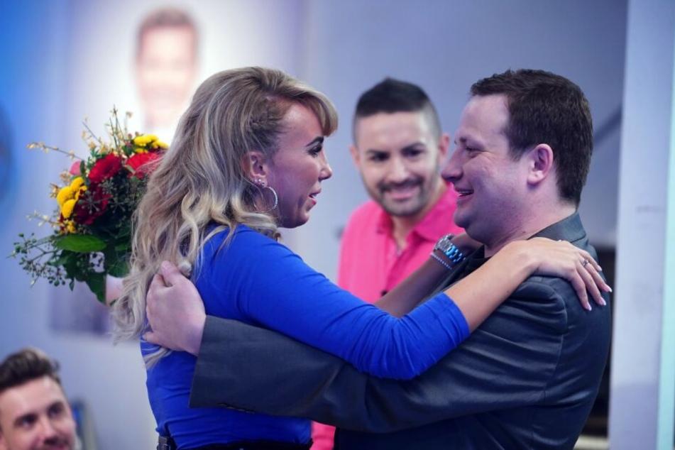 Emotionales Wiedersehen: Annemarie Eilfeld (29) und Holger Göpfert trafen sich elf Jahre nach dem großen Zoff wieder.