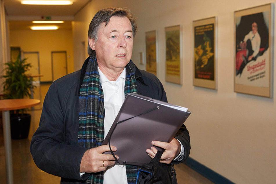 Fraktionschef Jörn Kruse musste stellvertretend für seine Fraktion vor Gericht erscheinen.