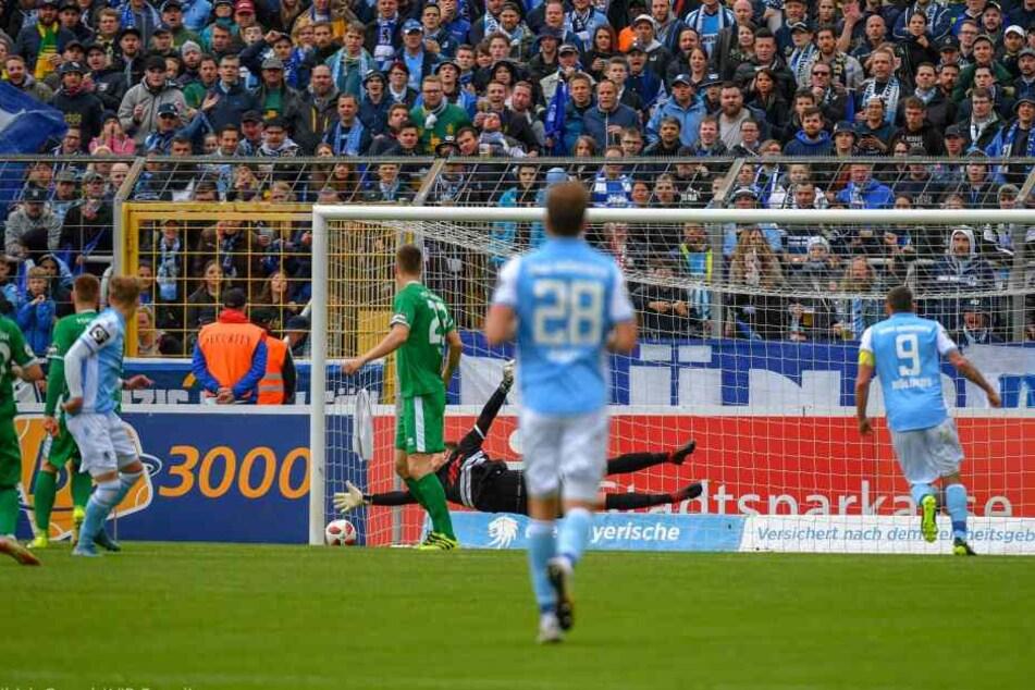 Kindsvater trifft früh zum 1:0 für München..