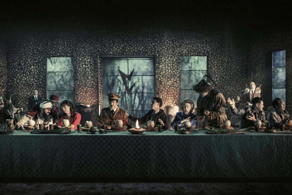 Das letzte Abendmahl: Eine illustre Riege von Weltberühmtheiten waren also nur Vril-Ya-Aliens, die die Menschheit infiltriert haben?