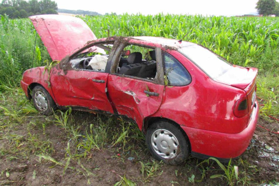 Der Wagen war nach dem Crash nur noch Schrott.