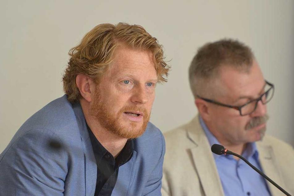 Baubürgermeister Michael Stötzer (45, Grüne) stellt sich heute den aufgebrachten Garagenpächtern.