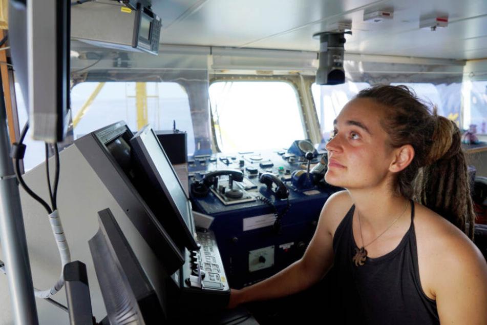 Die deutsche Kapitänin Carola Rackete an Bord der Sea-Watch 3.