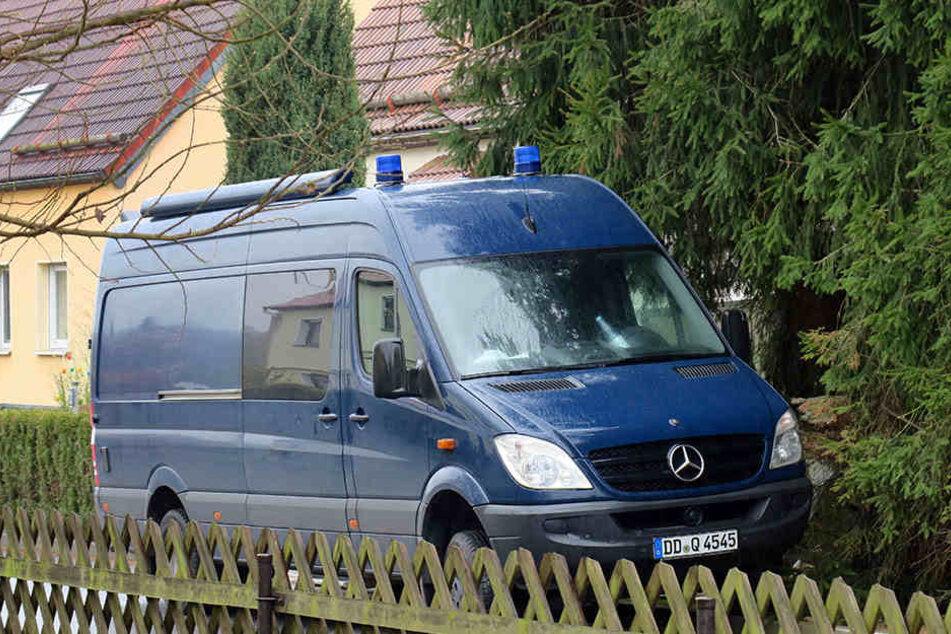Die Polizei durchsuchte ein Haus in Niederwiesa.
