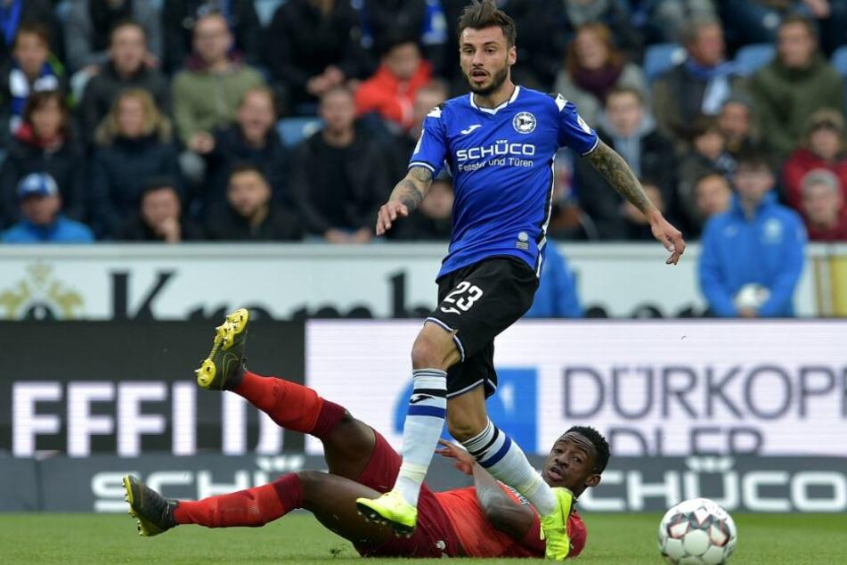 Jonathan Clauss musste im Spiel gegen den SCP verletzungsbedingt ausgewechselt werden.
