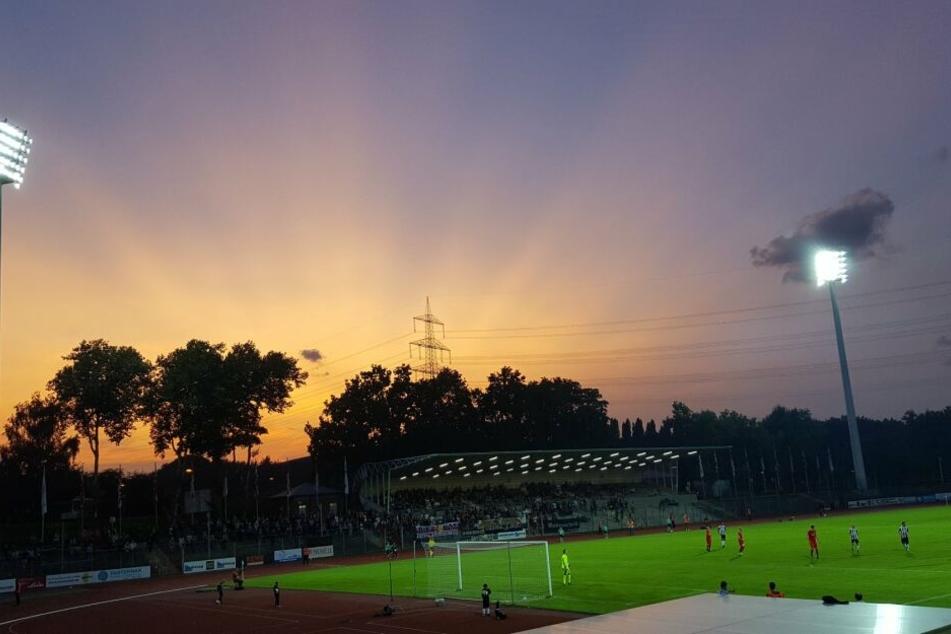 Die SG Wattenscheid 09 kann aufatmen, der Verein wird weiter in der Regionalliga an den Start gehen können.