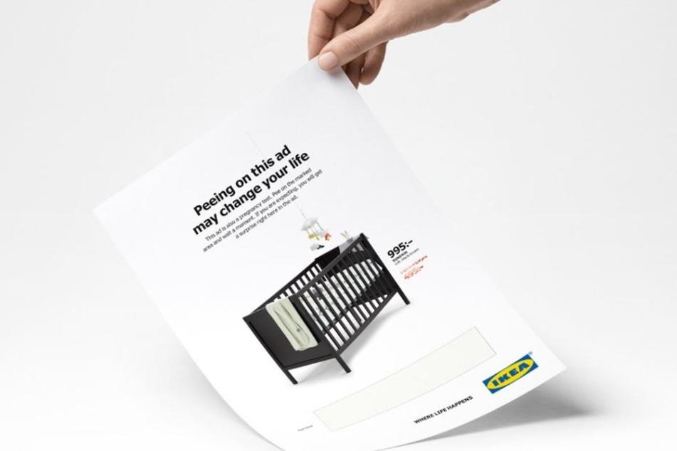 Wenn schwangere Frauen in Schweden auf diese Werbung pinkeln, erhalten sie einen Rabatt.