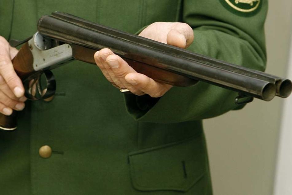 Der Unbekannte feuerte mit einer Schrotflinte. (Symbolbild)
