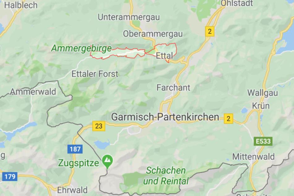 In Ettal in Bayern hat die Polizei in einem Wohnmobil einen schrecklichen Fund gemacht.