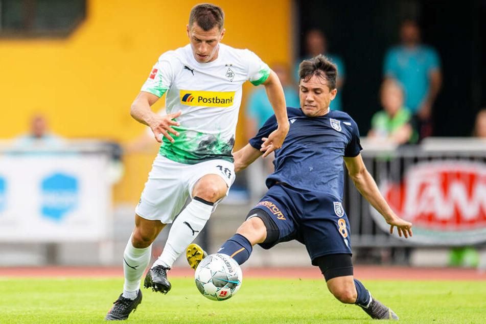 Stefan Lainer (l.) kam für zwölf Millionen Euro von Red Bull Salzburg.