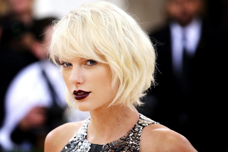 """Sexy ja, nackt nein, So kennen Fans """"ihre"""" Taylor Swift bisher."""