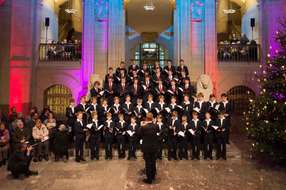 Die Kapellknaben singen in der Staatskanzlei. Diese Aufnahme ist von 2015.