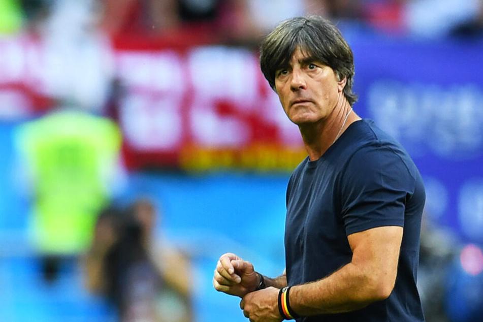Bundestrainer Joachim Löw empfängt mit seinem DFB-Team schwer zu bespielende Serben.