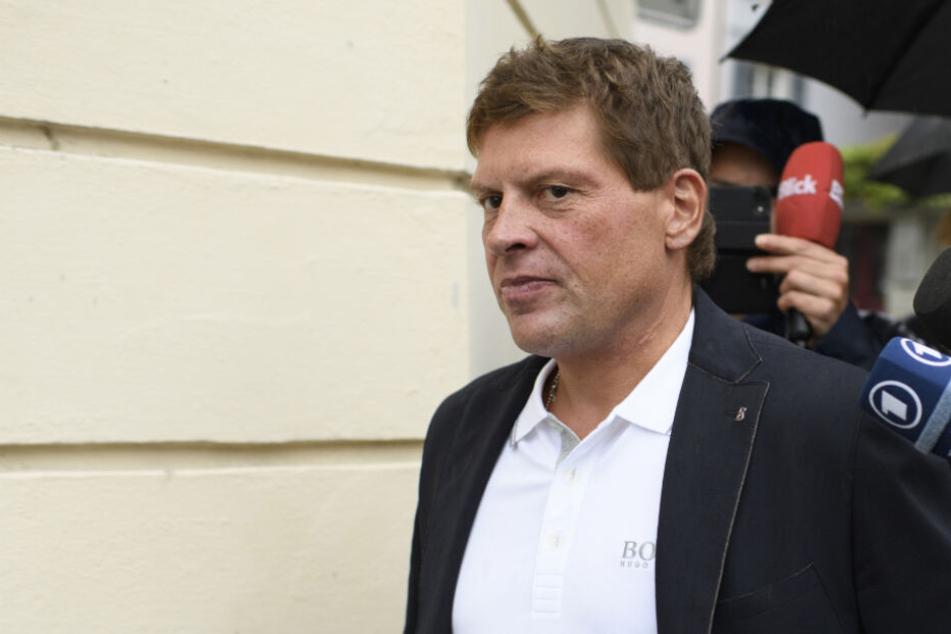 Frankfurt: Strafbefehl gegen Jan Ullrich: Ex-Rad-Star muss nach Würge-Attacke auf Escort-Dame blechen!