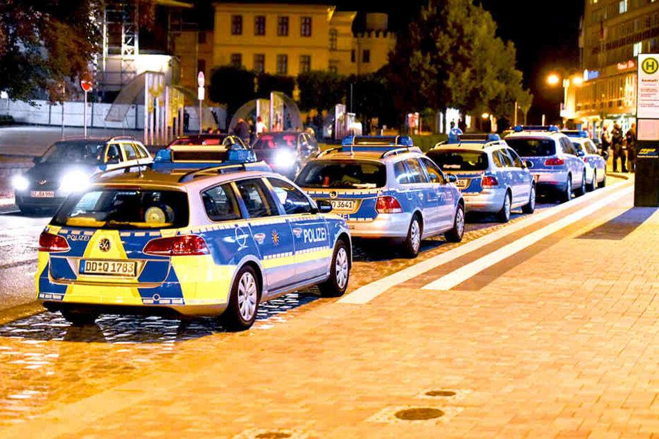 """Großaufgebot der Polizei im September 2016 am Kornmarkt: Auch ein Jahr später  haben die Beamten die """"Platte"""" im Blick."""