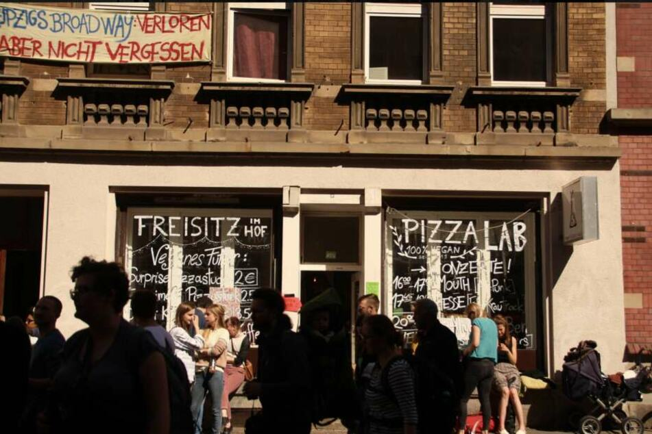 """Früher einmal war die vegane Pizzeria ein """"Fleischverteilungsstelle""""."""