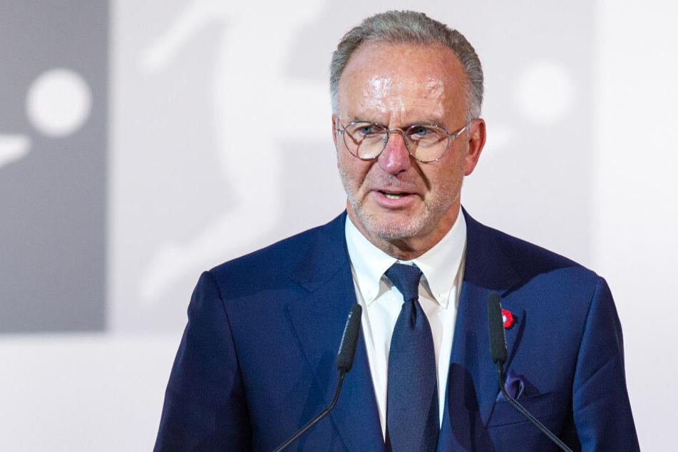 FC-Bayern-Vorstandschef Karl-Heinz Rummenigge will die Verwirrung sehr bald aus der Welt schaffen. (Archiv)