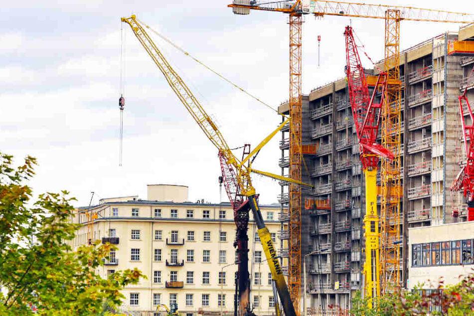 Die Baustelle am nächsten Morgen. Bauträger des Gebäudes ist die CG-Gruppe.