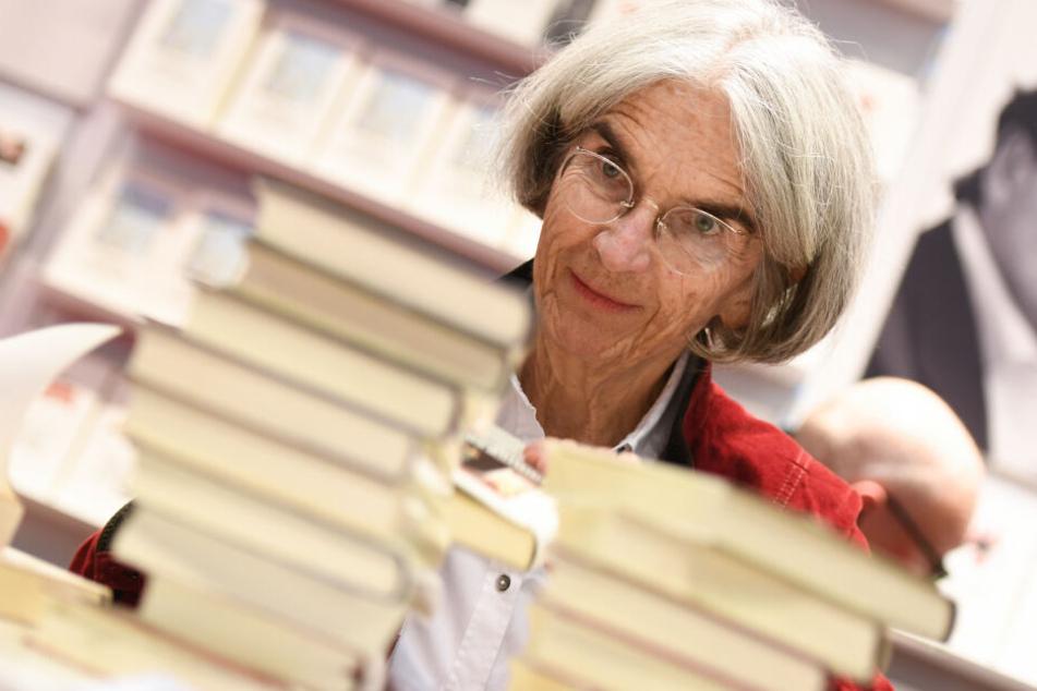 """Bestsellerautorin Donna Leon (77) präsentiert heute Abend in Zwickau ihr neues Buch """"Ein Sohn ist uns gegeben""""."""
