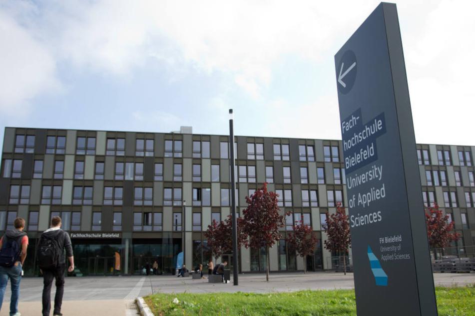 Die Fachhochschule Bielefeld kann mit ihren fast 120 Millionen zu viel für den Neubau eher nicht glänzen.