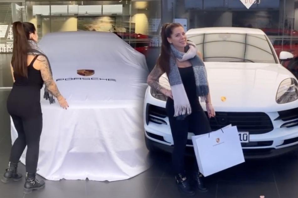 Erst noch unterm Häubchen versteckt, später dann in ganzer Pracht zu sehen: Jennys neuer Porsche Macan. (Montage)