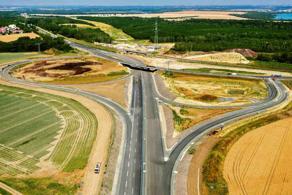 Der vorletzte Bauabschnitt der A72 zwischen Rötha und Borna soll Anfang August freigegeben werden.