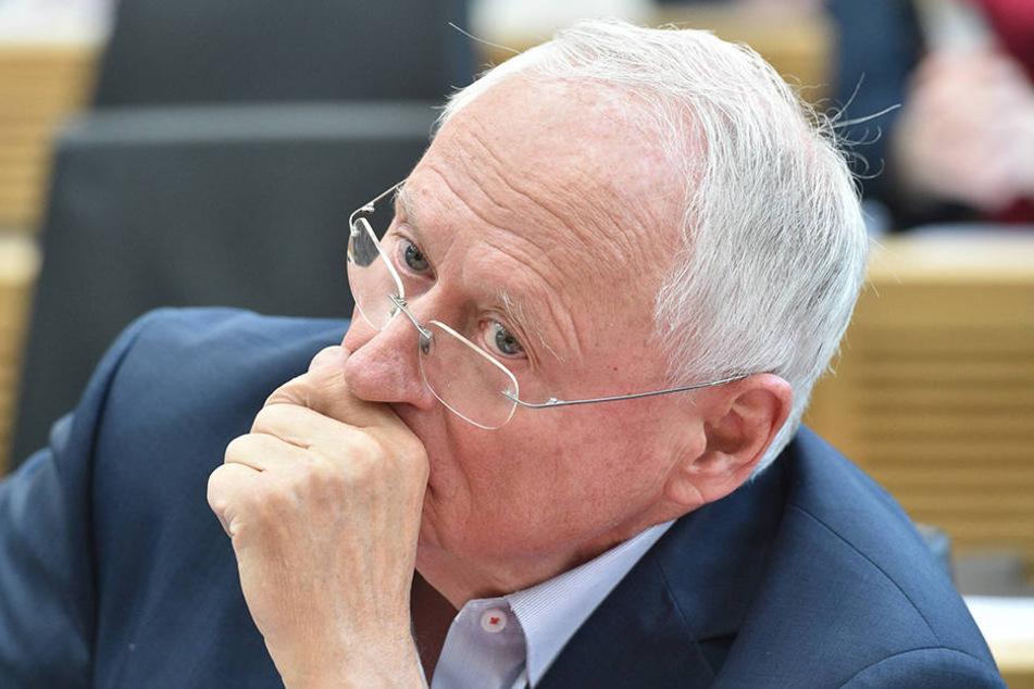 Der Linken-Politiker Oskar Lafontaine (73) hat sich für eine konsequente Steuerung der Zuwanderung ausgesprochen.