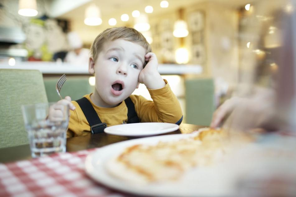 Kinder im Restaurant können manchmal ganz schön anstrengend sein. Einen Gast in Cardiff störte das jetzt überhaupt nicht. (Symbolbild)