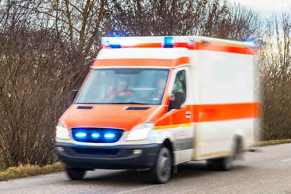 Die Verletzten wurden in ein Krankenhaus gebracht. (Symbolbild)